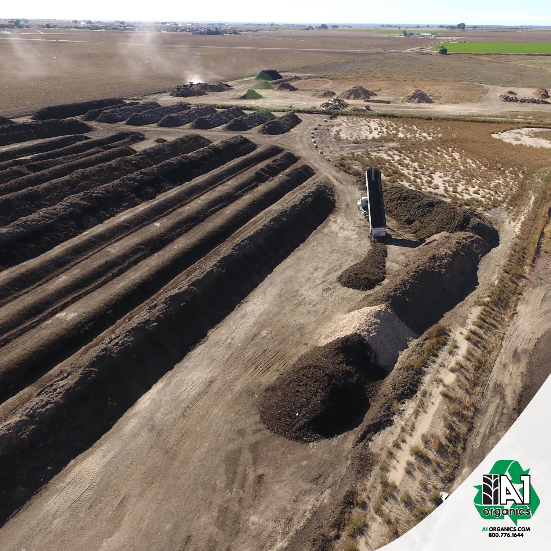 A1 Organics lays composting waste into windrows at its Keenesburg facility. Photo credit: A1 Organics.